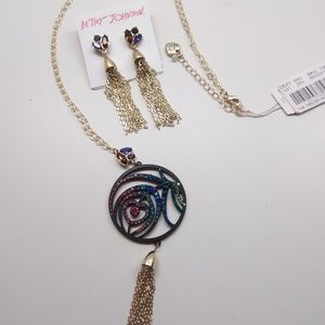 BetseyJohnsonNewAbstract Heart Necklace & Earrings